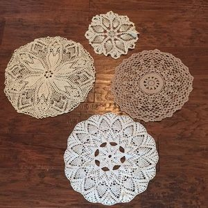 Other - Set of 4 vintage doilies